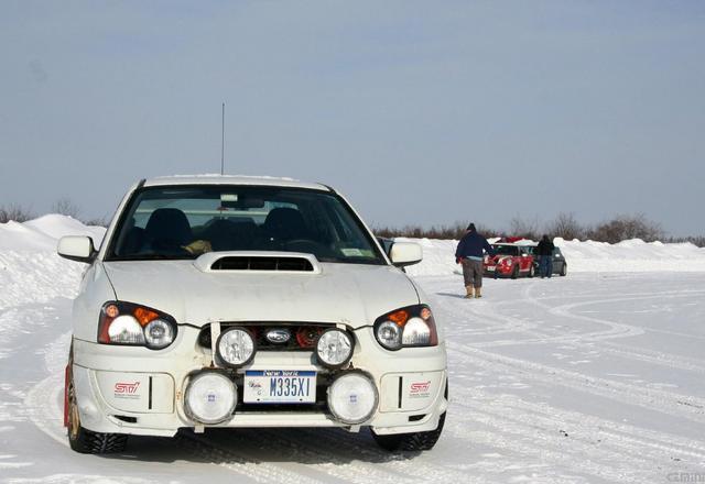Driving lights in bumper Labrador-2007-085
